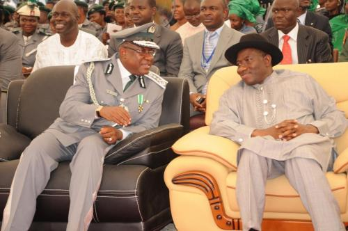CGC-ABDULLAHI-DIKKO-INDE-WITH-MR-PRESIDENT-AT-THE-COMMISSIONING-OF-THE-120-UNITS-OF-DR-GOODLUCK-JONATHAN-CUSTOMS-BARRACKS