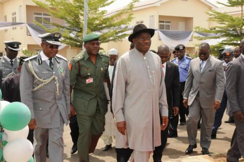 MR-PRESIDENT-AND-CGC-ABDULLAHI-DIKKO-AT-THE-ARRIVAL-FOR-THE-COMMISSIONING-OF-THE-120-HOUSING-UNITS
