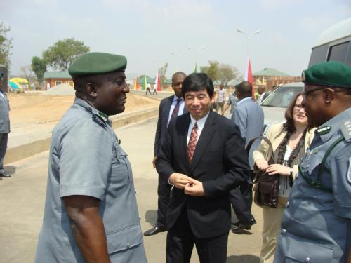 The-Commandant-of-the-Staff-College-ACG-Saka-Yinusa-welcoming-the-Sec-Gen-WCO-and-the-CGC